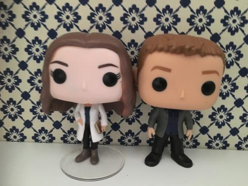 Jemma Simmons and Leo Fitz
